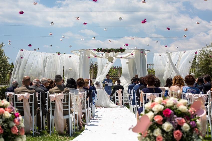 Villa per matrimoni civili napoli villa antica le dune for Addobbi piscina per matrimonio