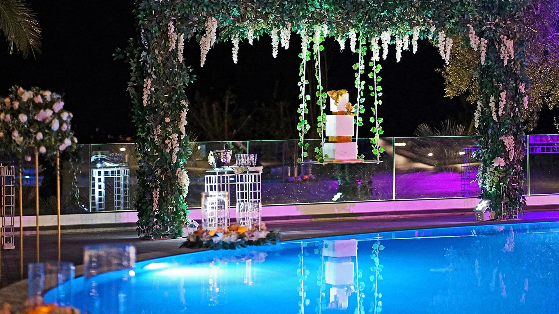 torta in piscina villa antica ledune
